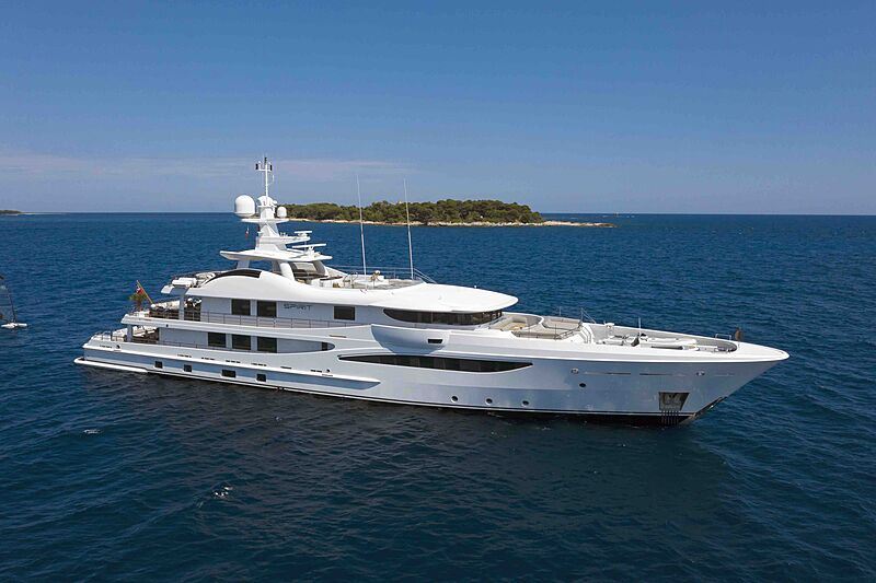 Refit before and after: 54m Amels yacht Spirit
